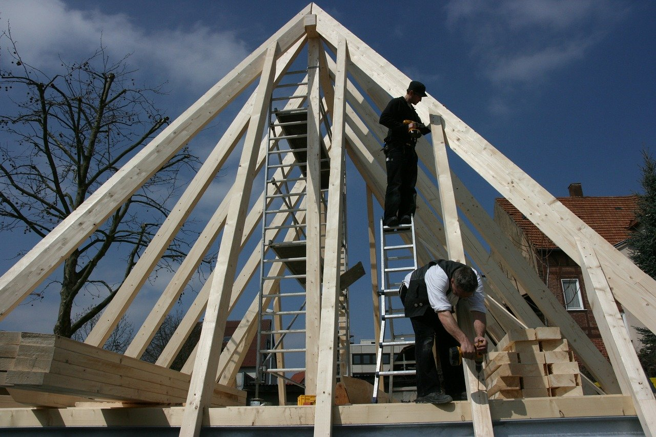 Dachstuhl und Zimmermannsarbeiten